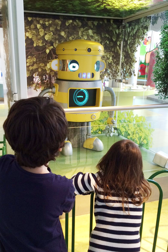 Children talk to Zoom the robot at Eureka! in Halifax