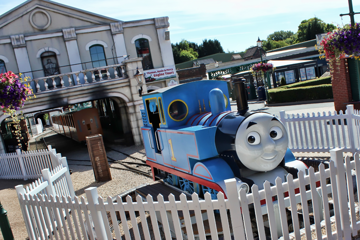 Thomas the Tank Engine proves just the ticket for a boy's birthday break at Drayton Manor hotel and theme park