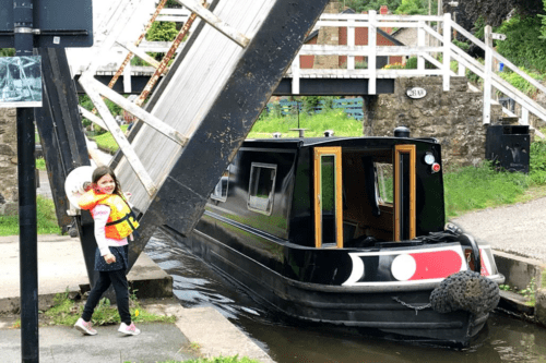 Children can help lift swing bridges on the canal