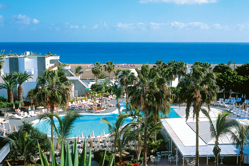We review a hotel in Lanzarote – Club Hotel Riu Paraiso