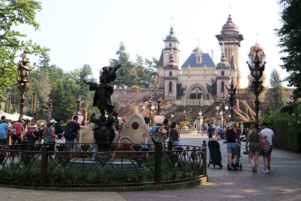 We review Efteling – the biggest theme park in the Netherlands – and give our top tips for visiting