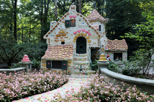 Hansel and Gretel in Fairytale Forest