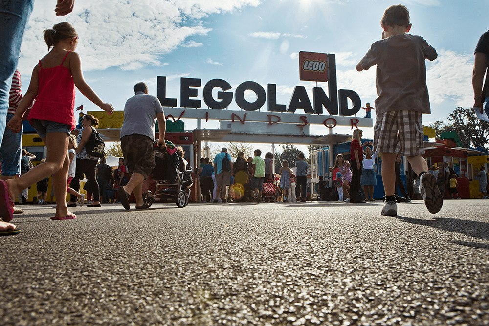 How to beat the queues at LEGOLAND Windsor Resort with the Reserve & Ride (formerly Q-Bot) Ride Reservation System