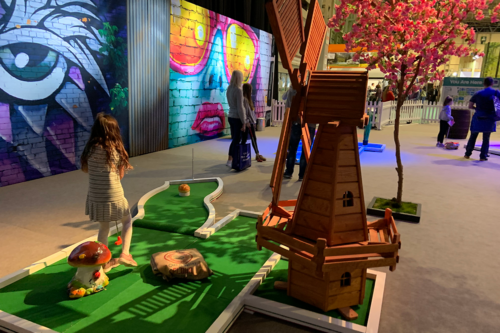 Mini golf at the Caravan, Camping & Motorhome Show 2020