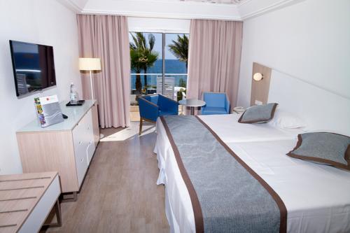 A double room at the Riu Gran Canaria hotel